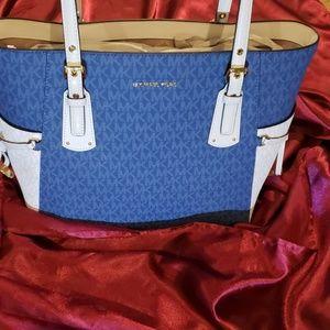 NEW MK HAND/SHOULDER BAG